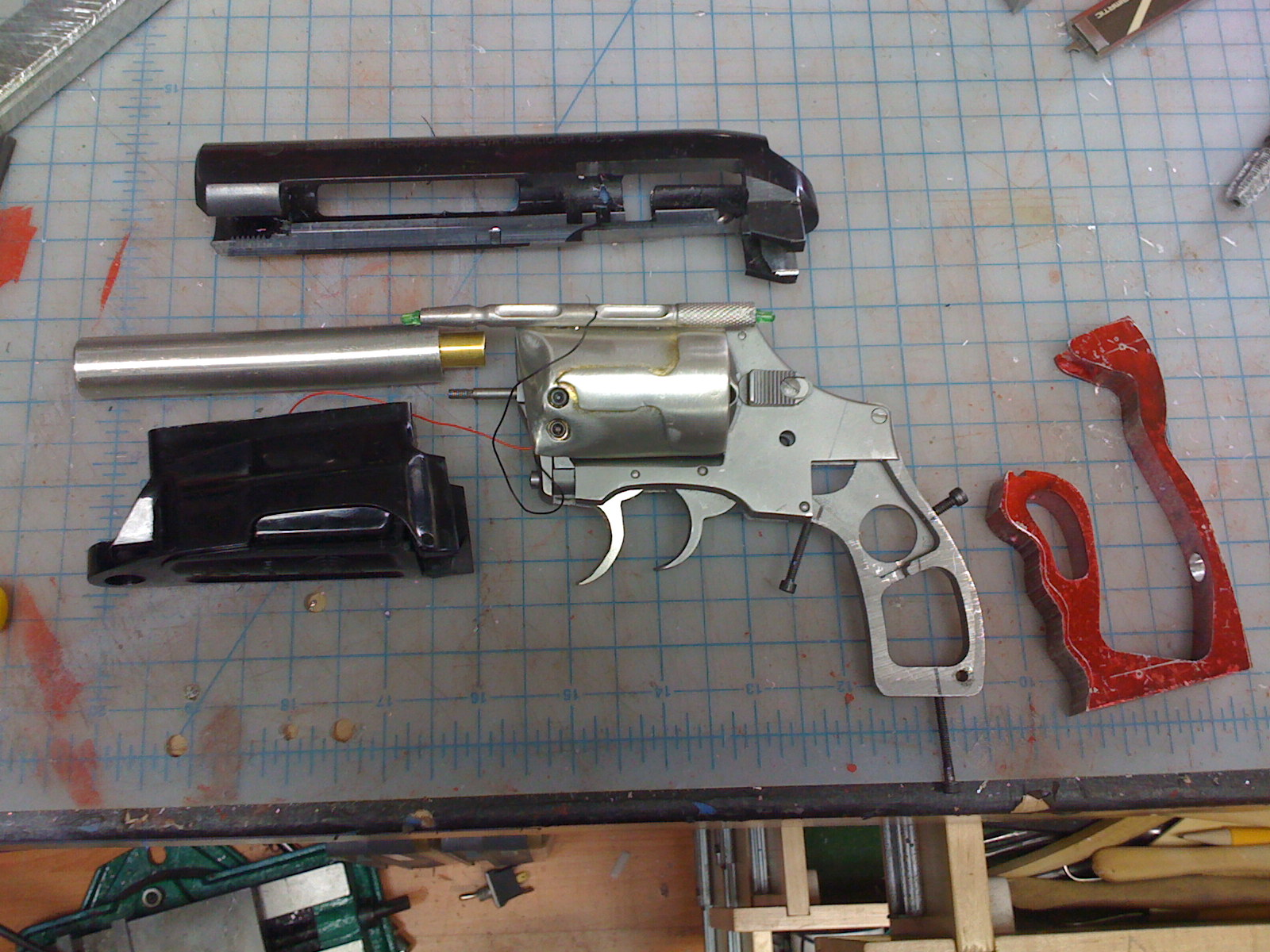 Name:  adams-blade-runner-gun-06.JPG Views: 1321 Size:  436.4 KB